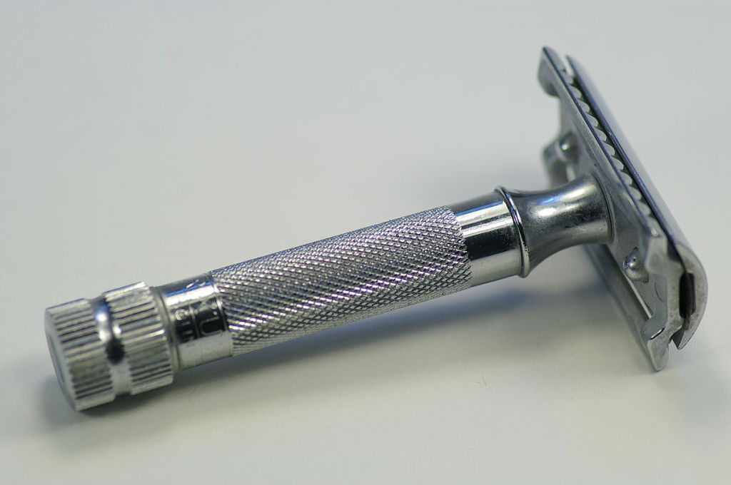 """Merkur heavy duty safety razor"" by Hustvedt - http://www.merkur-razor.co.uk/products/Merkur-34C-Heavy-Duty-Classic.htm. Licensed under Creative Commons Attribution-Share Alike 3.0 via Wikimedia Commons"